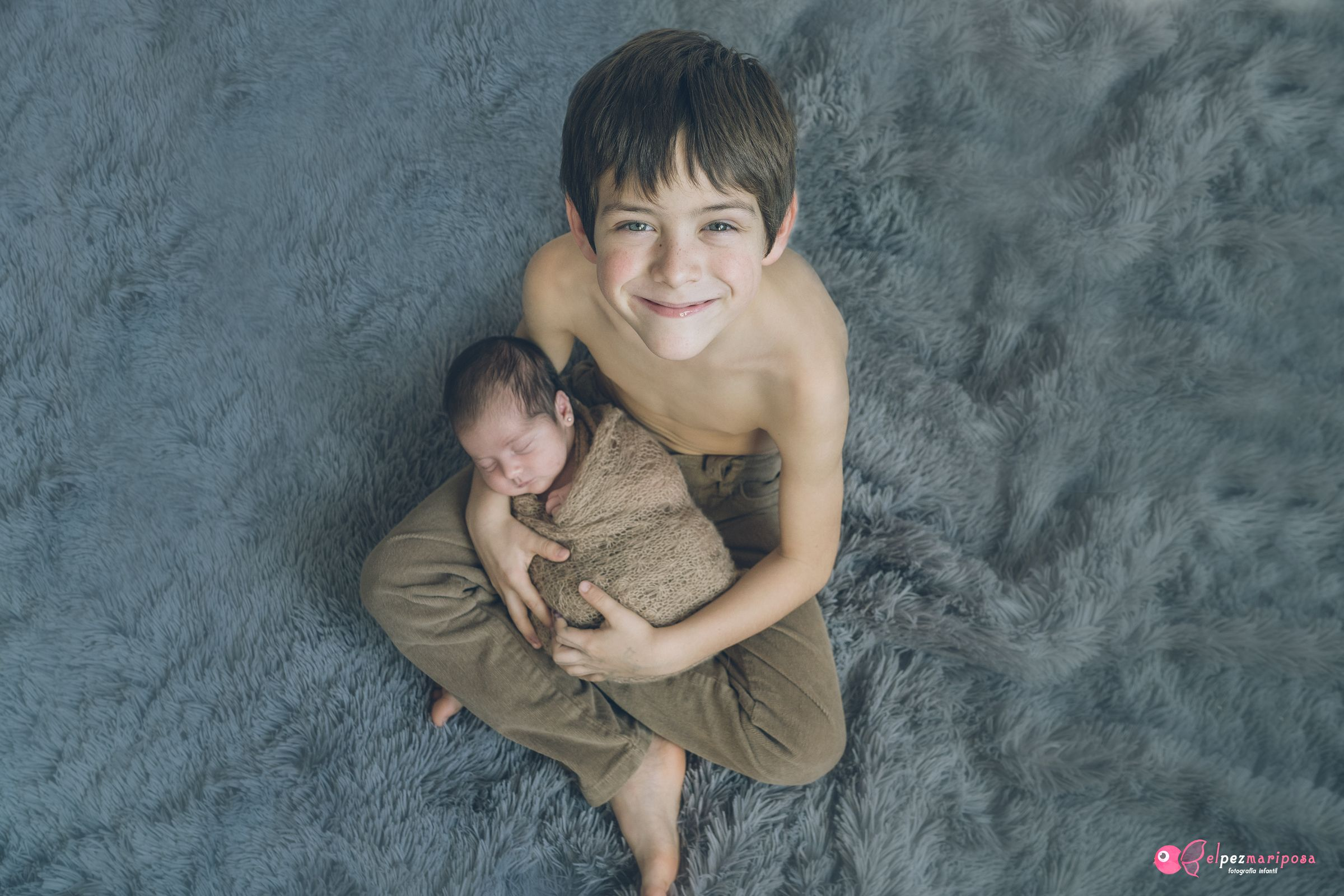 hermanos recién nacido pamplona