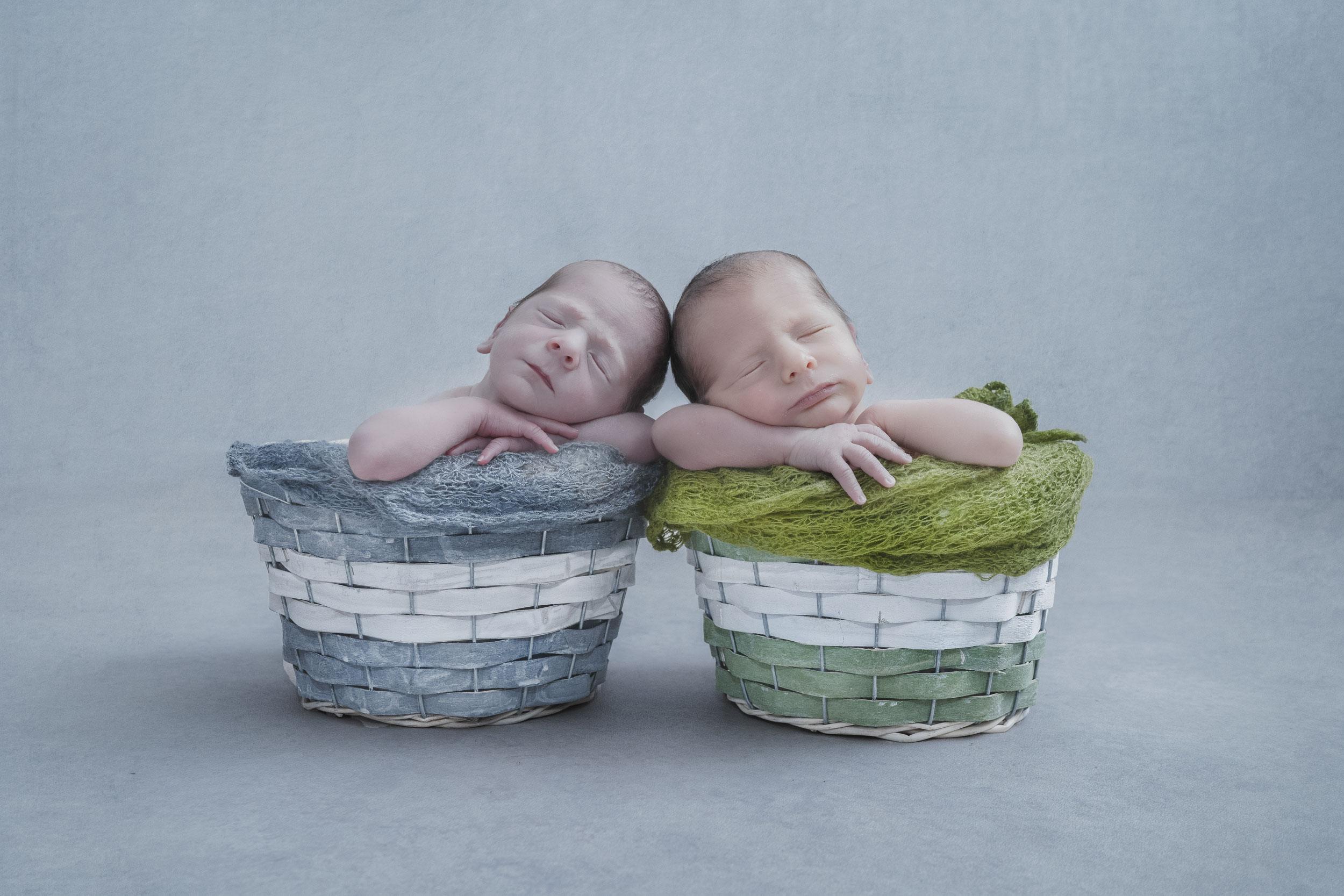 Reportaje Newborn/recién nacido mellizos